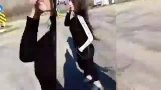اجمل حالات واتس اب  بنت عم ترقص حبيب اسود جكلته