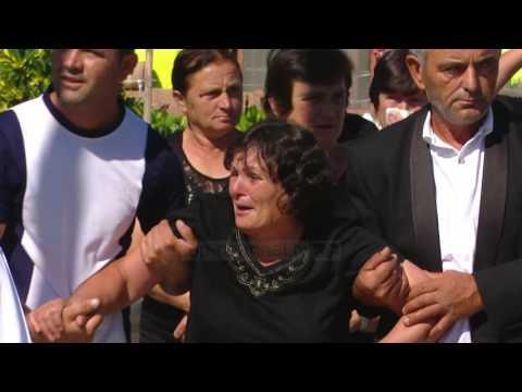 """Funerali """"i turpit"""" të një vajze - Top Channel Albania - News - Lajme"""