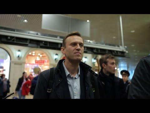 afpes: Opositor ruso Navalny sale de prisión y retoma campaña electoral