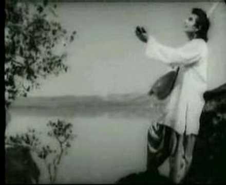 Zara Saamne to aao Chhaliye - Lyrics and Music by Lata ...