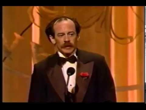 Michael Jeter wins 1990 Tony Award for Best Featured Actor in a Musical