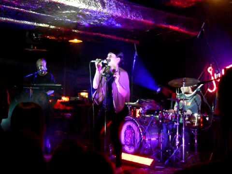 Little dragon (katowice jazz club hormon 14.02.2010)