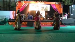 Mehendi Hai Rachne Wali Dance @ Stuti