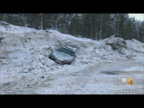 None - VIDEO: Avalanche buries 3 cars!