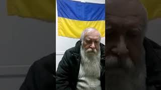 Мариуполец клеил плакаты с Януковичем