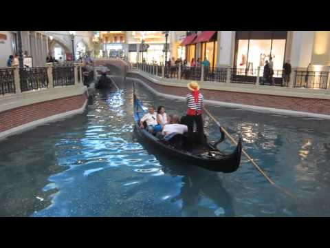 Gondolier singing opera at the Venetian, Las Vegas, NV