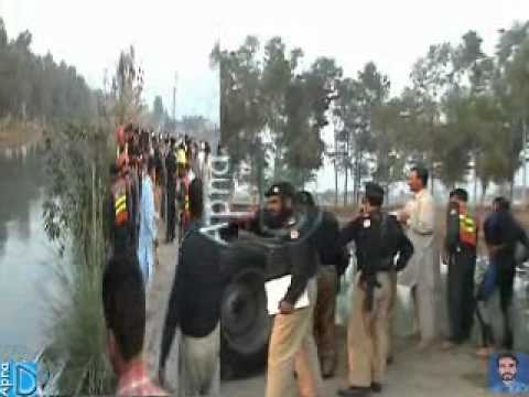 Accident BRB cannal Daska (12-11-2010).wmv