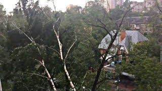 видео В бородинской школе ураган снес крышу школы