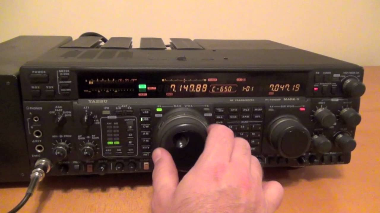 Yaesu FT-1000MP MK V - YouTube