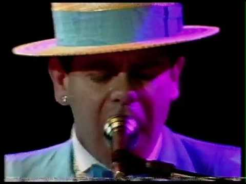 Elton John - Teacher I Need You (Live in Sydney, Australia 1984) HD