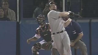 HOU@SD: Bagwell hits go-ahead homer off Hoffman