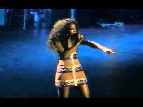 Kelly Rowland - Bad Habit Live @ NYC 2005