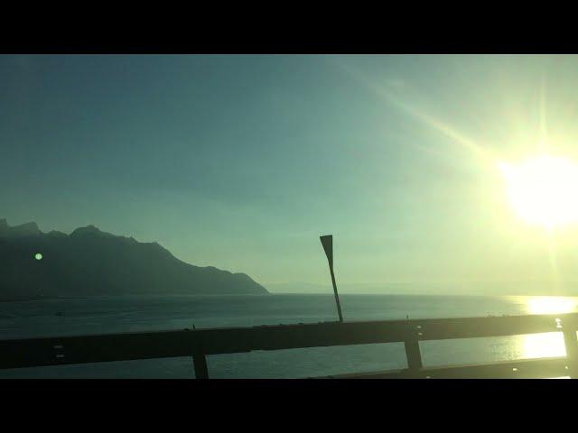 SWITZERLAND - Lake road