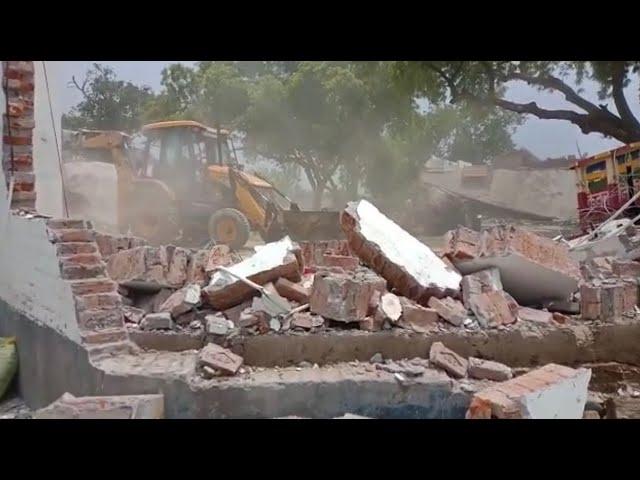कानपुर में 8 पुलिस कर्मियों की हत्या के बाद उत्तर प्रदेश पुलिस की कार्रवाई