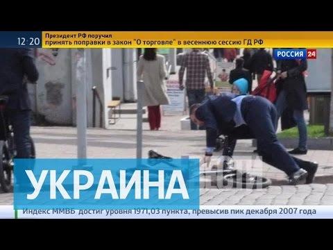Мэр Киева Кличко упал с велосипеда с моторчиком по дороге на работу