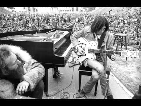 Neil Young & Friends - Words (Between The Lines Of Age) Lyrics