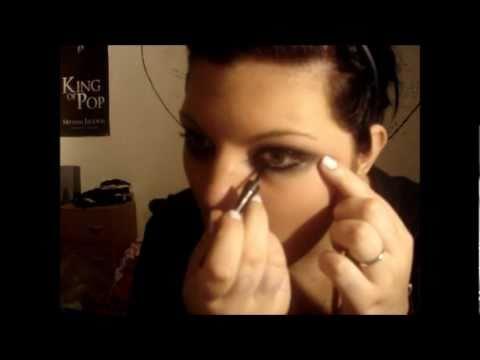Taylor Momsen Make-up Tutorial BLACK EYES