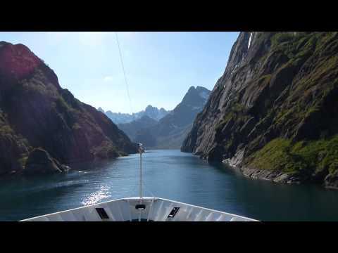 Mit dem Hurtigruten Schiff MS Nordnorge in den Trollfjord