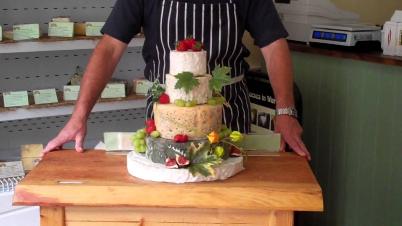 cheese wheel wedding cake how to cut wedding cheese cakes 12630