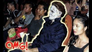 "MICHAEL MYERS TERRORIZES A CINEMA! (""Halloween"" advance scre..."