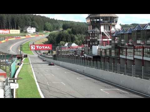 Double Ferrari F1 fly by amazing sound!