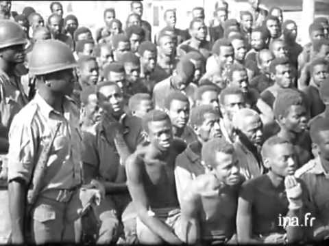 Ojukwu and Biafrans Prepare to Face Federal Nigerian Soldier