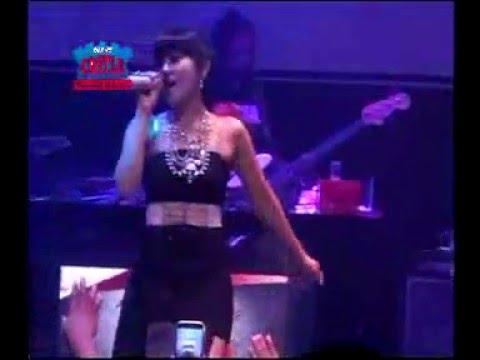 Via Vallen - Kelangan - live bareng OM Sera dI NEW CASTLE Pub Karaoke & Resto  Madiun