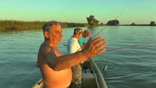 Супер рыбалка! Раскаты  Астрахань  Сентябрь 2017