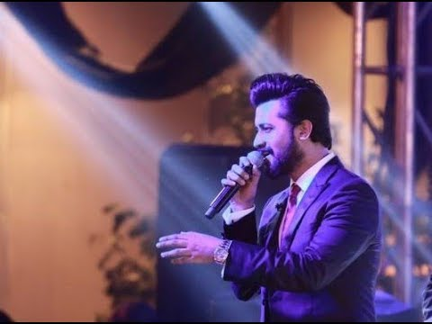 Din Dhal Jaye + Kya Hua Tera Wada - Atif Aslam Live at The Wedding in Lahore.