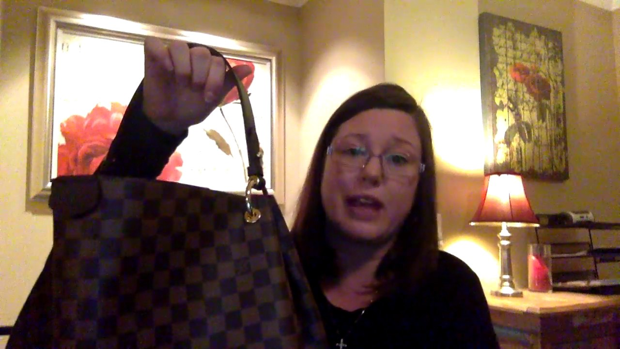 92286b54cc25 Louis Vuitton Graceful MM Review and Reveal   What fits in my bag and  Neverfull GM   MM comparison