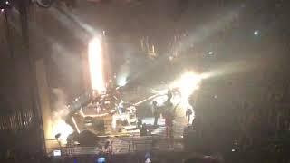 Baixar Arctic Monkeys - Teddy Picker LIVE (O2 Arena, 9/9/18)