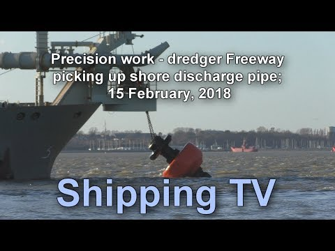 Precision work - dredger Freeway picks up the shore discharge pipe, 15 Feb 2018