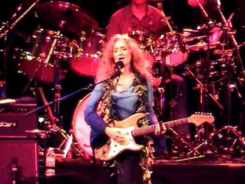"Bonnie Raitt ""Love Letter"" January 29, 2004 Waikiki Shell Honolulu Oahu, HI"