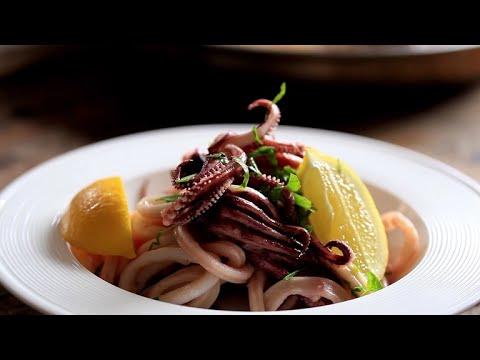 Sauteed Calamari with Parsley and Garlic - YouTube