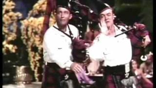 "Road to Bali - ""Hoot Mon!"" with Bob Hope and Bing Crosby"
