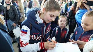 Короли льда Фигуристов победивших на чемпионате мира встретили в Москве