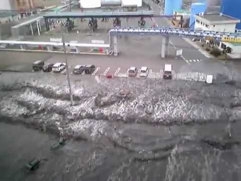 2011 Japan Tsunami: Hachinohe [stabilized with Deshaker]