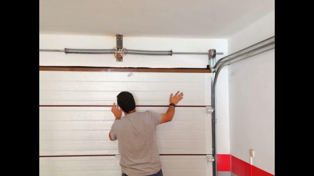 Como instalar puerta de garaje seccionada con motor youtube - Puertas para cocheras electricas ...