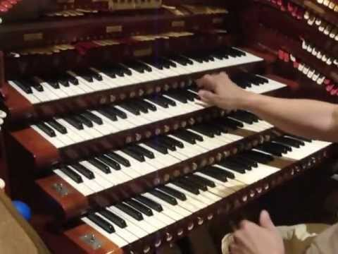 """You never had a friend like me"" John Lauter plays the Fox Wurlitzer"