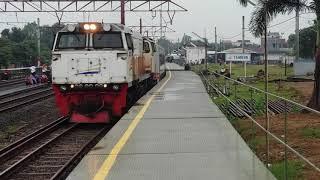 Lho Kok!!! Kereta Argo Parahyangan Premium salah sepur, masuk di jalur 1 stasiun Tambun