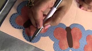 Aprenda a fazer um tapete com barrado borboleta
