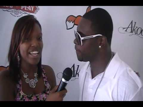 Chicago Bears Major Wright Loves Travis Porter Springfest 2011 Video