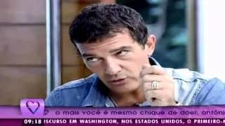 Antonio Banderas frita ovo no programa Ana Maria Braga