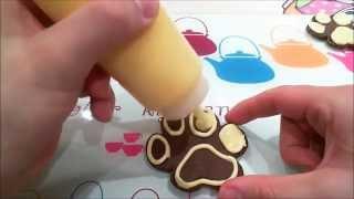 Galletas huellas de perro. Decoración básica con glasa