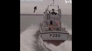 Áo bay trên biển (VOA)