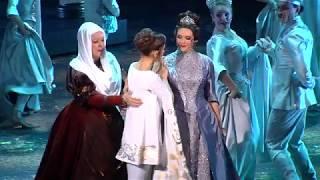 """Сюжет о премьере мюзикла """"Ромео VS Джульетта XX лет спустя"""""""
