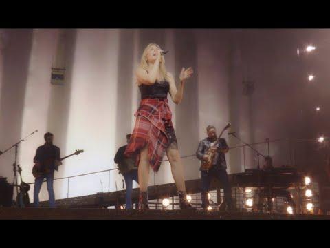 Смотреть клип Kylie Minogue - Lost Without You