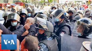 Dozens in Lebanon Demonstrate Against Nationwide Lockdown