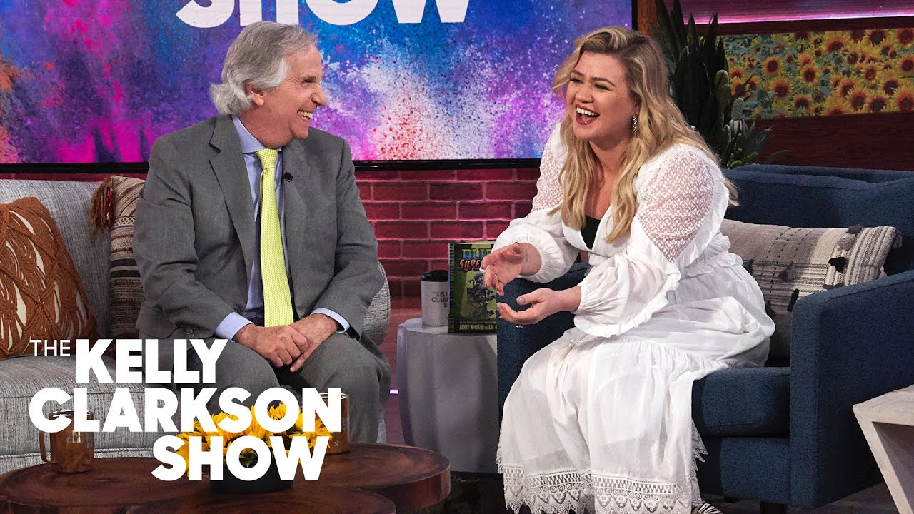 Henry Winkler Directed Kelly Clarkson On An Episode Of 'Sabrina The Teenage Witch'