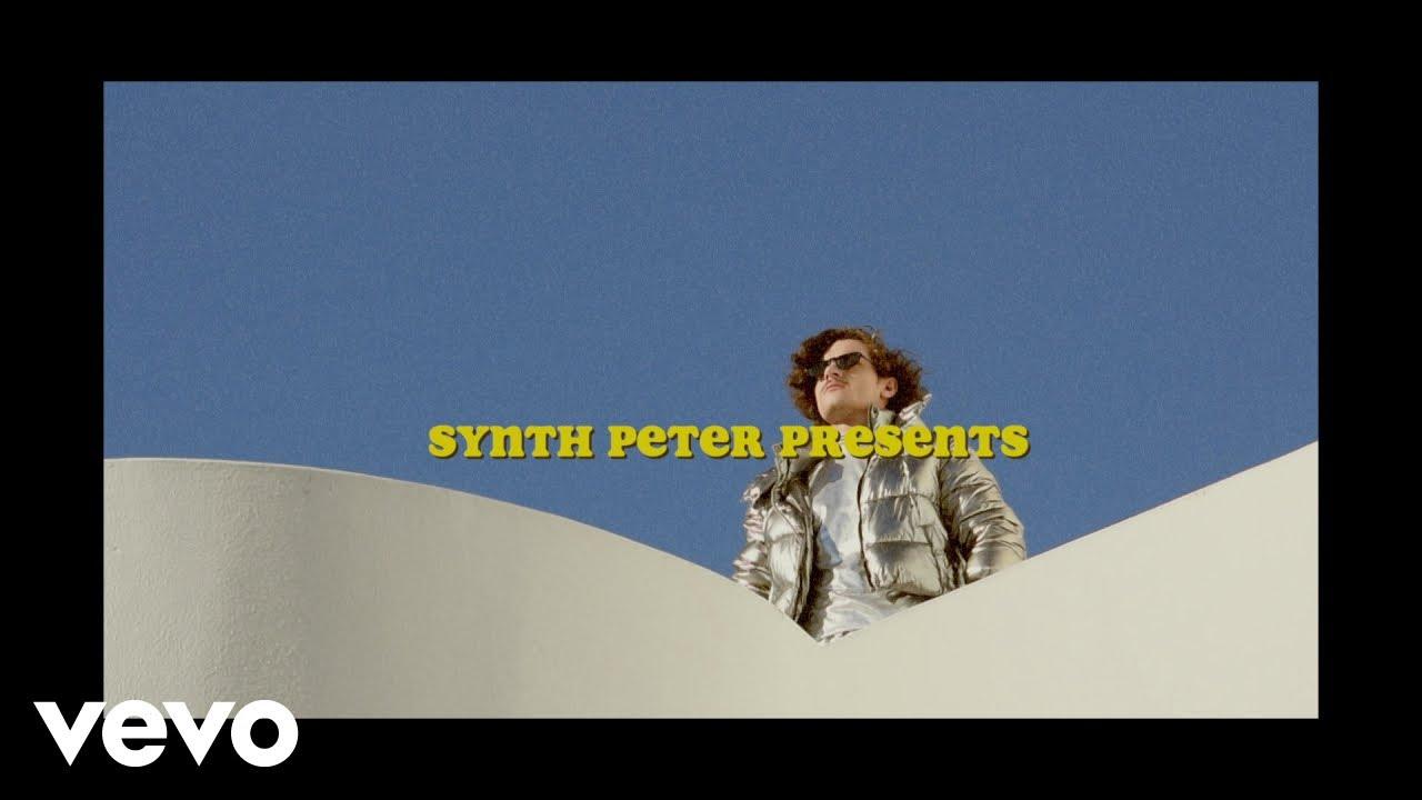 Download Synth Peter - Doef Doef ft. Katinka, Loufi, What The Faf, Wortel Kombat